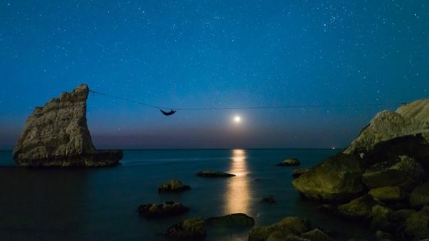 Una notte nella Baia di Portonovo… sospeso tra le stelle!